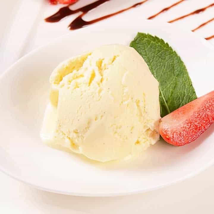 Keto vanilla ice cream image